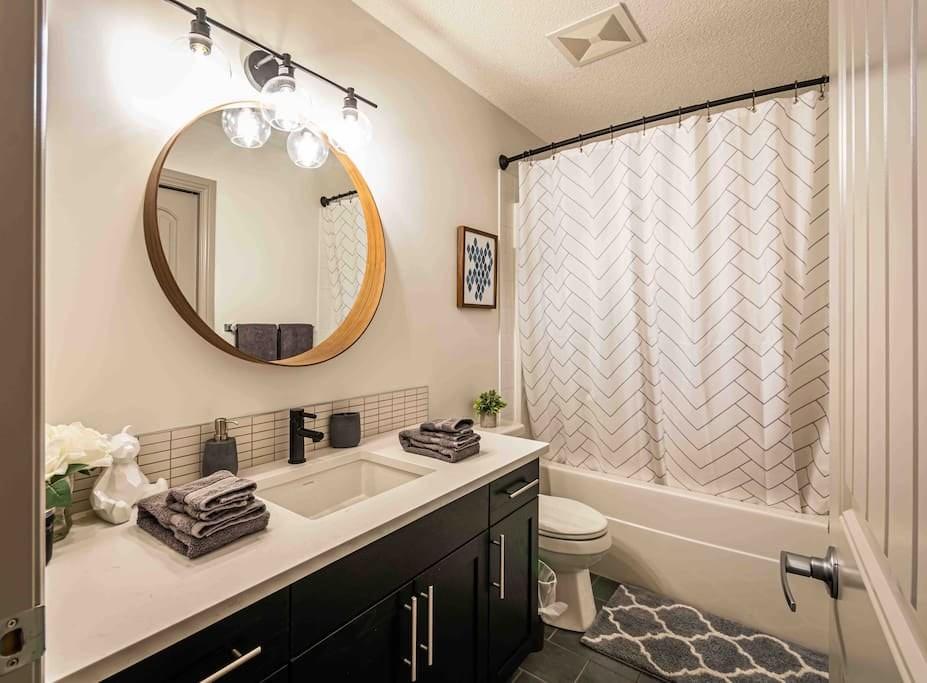 New Reno 2200 sqft, 5 Bed3 Bath Family Home (11)