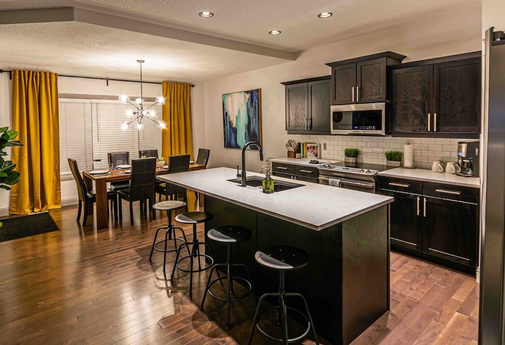 New Reno 2200 sqft, 5 Bed3 Bath Family Home (14)