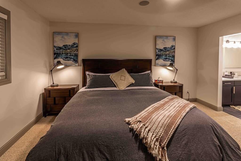 New Reno 2200 sqft, 5 Bed3 Bath Family Home (15)