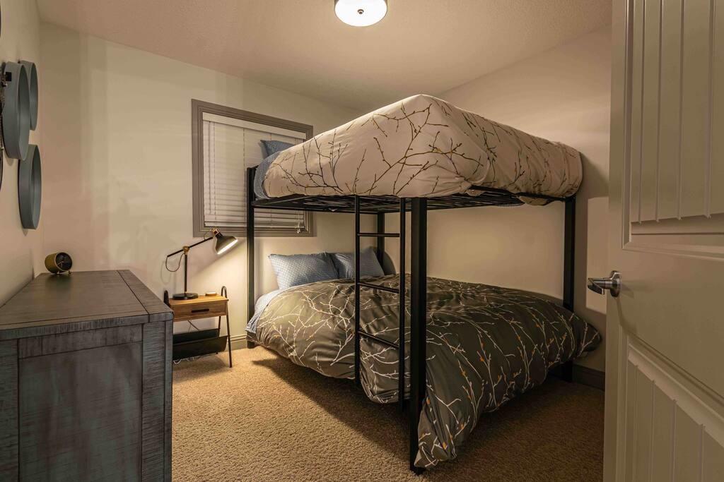 New Reno 2200 sqft, 5 Bed3 Bath Family Home (16)