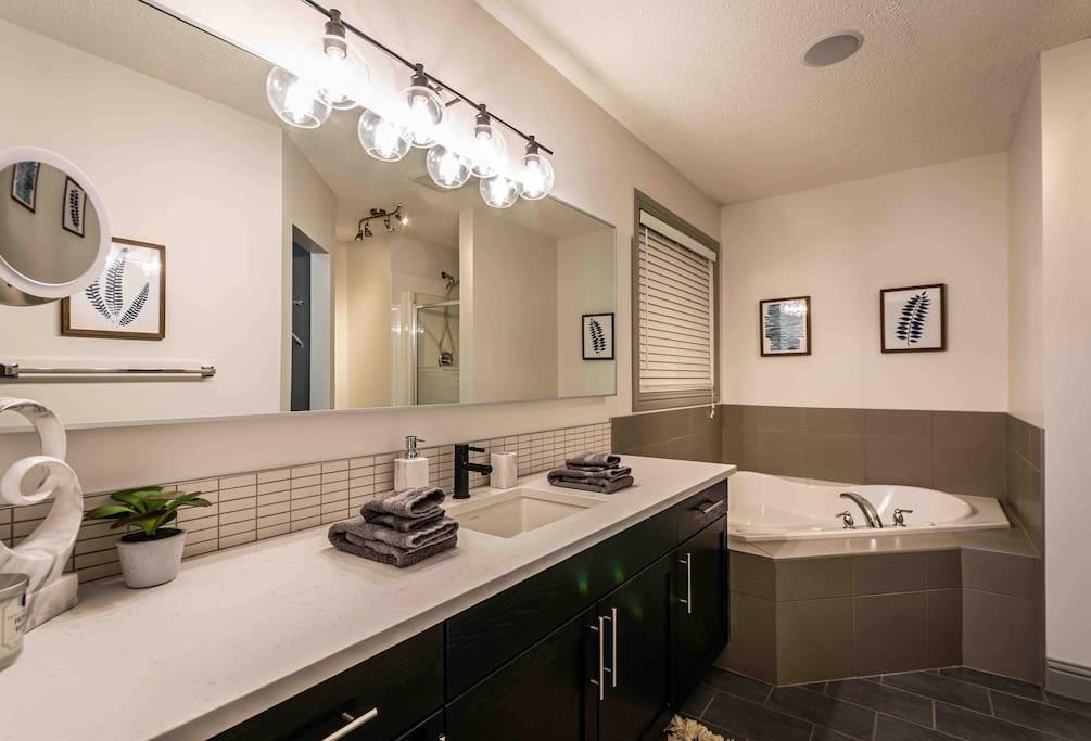 New Reno 2200 sqft, 5 Bed3 Bath Family Home (8)